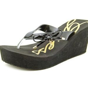 2d232a062 Guess Shoes - G U E S S • SYONA WEDGE